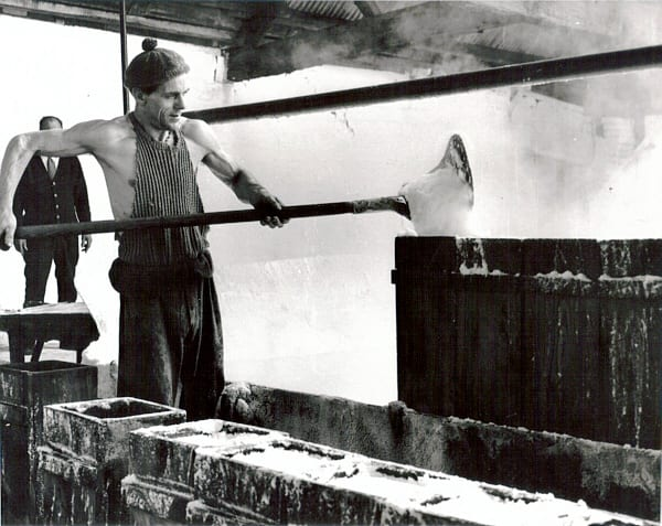 10. Bob Gunther Paech 1965, using a skimmer to scoup the salt into elm tubs. Murgatroyd's.jpg
